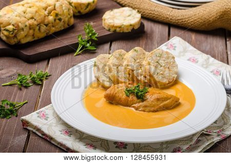 Chicken On Cream With Pepper Season