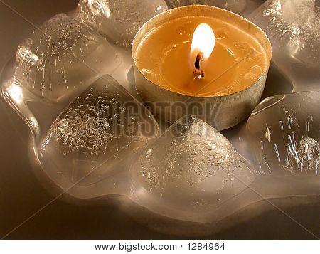 power of heat. burning tea light _Ni