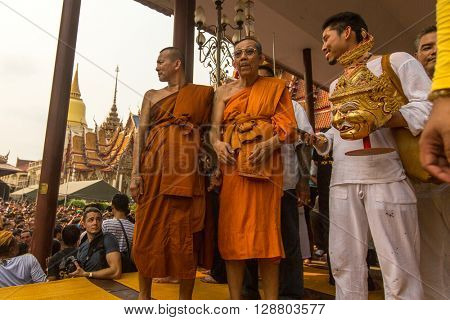 WAT BANG PHRA, THAILAND - MART 19, 2016: Unidentified participants Wai Kroo (Luang Por Phern) Master Day Ceremony at Bang Pra monastery.