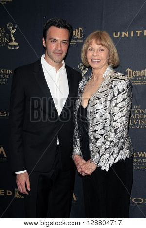 LOS ANGELES - APR 29: Reid Scott, Toni Tennille at The 43rd Daytime Creative Arts Emmy Awards Gala at the Westin Bonaventure Hotel on April 29, 2016 in Los Angeles, California