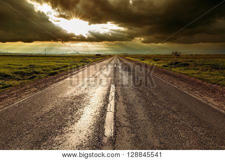 Road Vainishing Into The Sunset