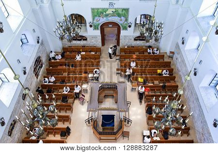 Jerusalem Israel - November 2 2010: Faithfull in the Hurva synagogue