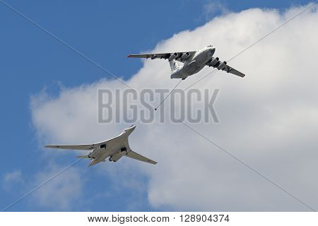 Simulation Of In-flight Refueling Aircraft Il-78 And Tu-160