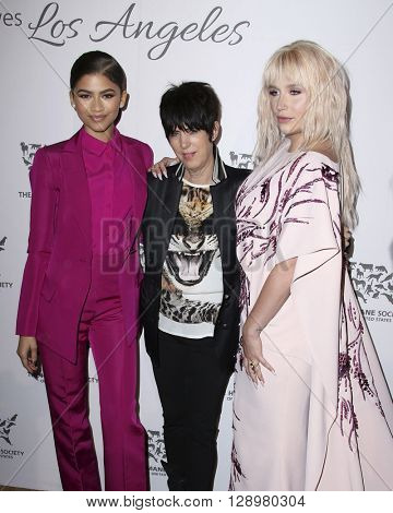 LOS ANGELES - MAY 7:  Zendaya Coleman, Diane Warren, Kesha at the Humane Society Of The United States LA Gala at the Paramount Studios on May 7, 2016 in Los Angeles, CA