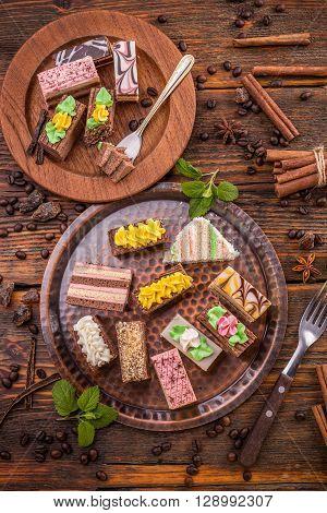 Mini Sweet Cakes
