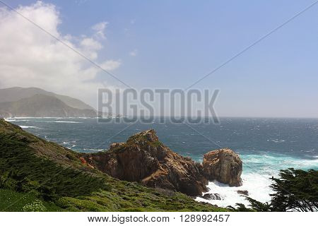 Scenery along Hwy 1 in California's Big Sur region