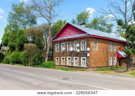 Residential Two-storey House In The Countryside. Okulovka