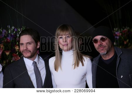 Daniel Bruehl, Rosamund Pike, Jose Padilha attend the '7 Days in Entebbe' premiere during the 68th Film Festival Berlin at Berlinale Palast on February 19, 2018 in Berlin, Germany.