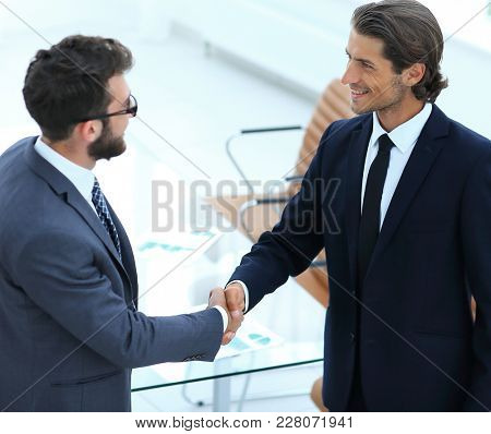 concept of partnership.handshake business people
