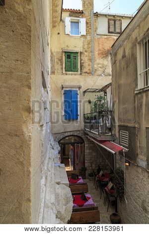 Split, Croatia - September 11, 2016: This Is Small Courtyard, Which Is Formed By Different Epochs -