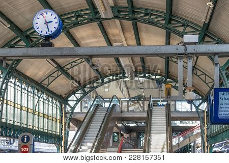 Den Bosch, The Netherlands - February 01, 2018: Railway Station Concourse With Escalators, Informati