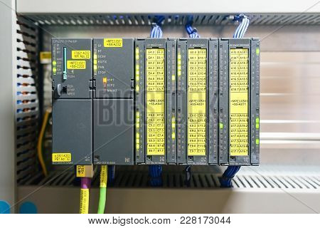 Programmable Logic Controller( Plc ) Comprised Of Analog Digital Input And Output Card With Power Su
