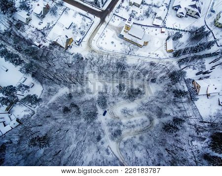 Winter In Vilnius, Lithuania: Aerial View Of Tuputiskes Seprentine Road