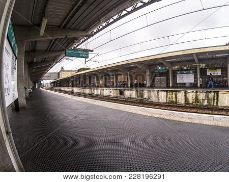 Sao Paulo, Sp, Brazil, February 14, 2018. Platform For Boarding And Disembarkation Of A Station Of T