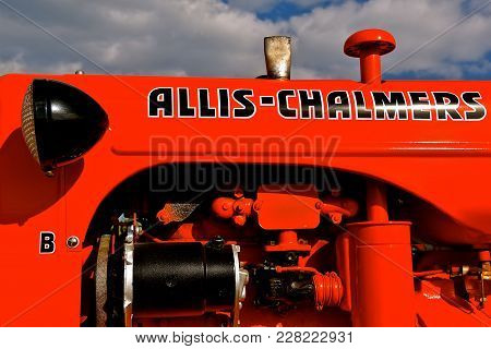 Rollag, Minnesota, Sept 3, 2017:  The Allis Chalmers B Tractor Is Displayed At The Annual Wcstr Farm