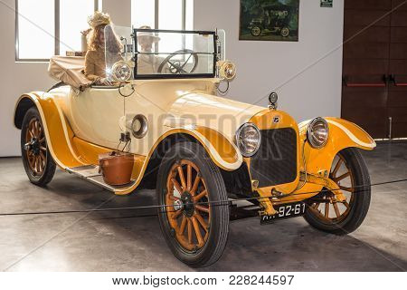 Malaga, Spain - December 7, 2016: Vintage Buick 1916 Car Displayed At Malaga Automobile Museum