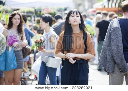 London, Uk - August 17, 2017: Columbia Road Flower Sunday Market. Street Traders Are Selling Their S
