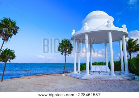Rotunda And Table For A Wedding Ceremony On The Caribbean Coast