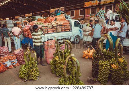 Dambulla, Sri Lanka - Jan 7, 2017: Wholesale Customers And Traders Of Village Fruit Market And Many
