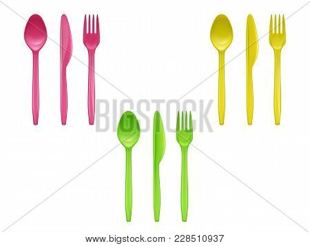 Vector 3d Realistic Set Of Disposable Plastic Tableware, Knives, Spoons, Forks Used For Eating Or Se