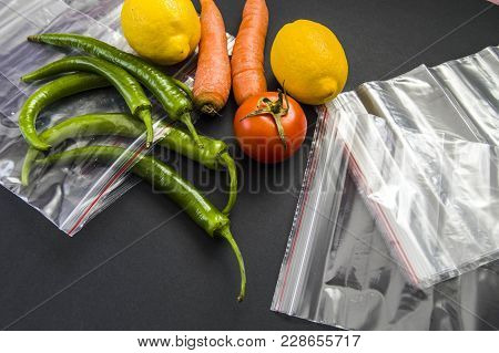Locked Refrigerator Bag To Store Food In The Refrigerator, Keeping Food In The Locked Refrigerator B