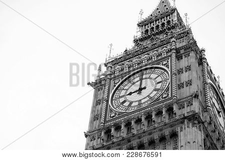 Big Ben And Houses Of Parliament In London