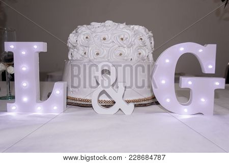 Decorating The Gift Table Of A Casual Wedding