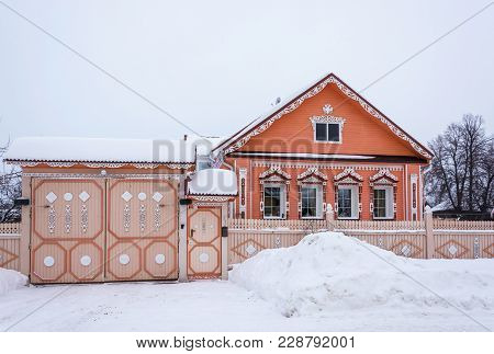 Beautiful House With Wooden Carvings February 17, 2018 In The Village Of Vyatskoye, Yaroslavl Region