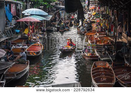Bangkok Thailand - October 08: Fruit Trader Paddle Rowboat In The Former Times Floating Market On Oc