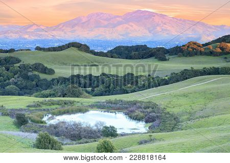 Mount Diablo Sunset As Seen From Briones Regional Park. Contra Costa County, California, Usa.