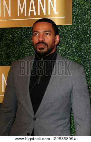 LOS ANGELES - FEB 27:  Laz Alonso at the 6th Annual ICON MANN Pre-Oscar Dinner at Beverly Wilshire Hotel on February 27, 2018 in Beverly Hills, CA