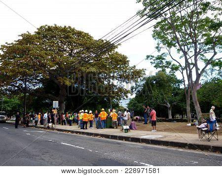 Honolulu - February 2: Thomas Square Hpd Police Raid On Deoccupy Honolulu Encampment February 2, 201