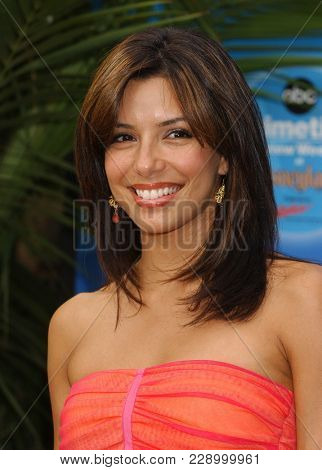 LOS ANGELES - SEP 11:  Eva Longoria at the ABC Primetime Preview Weekend  on September 11, 2004 in Anaheim, CA.