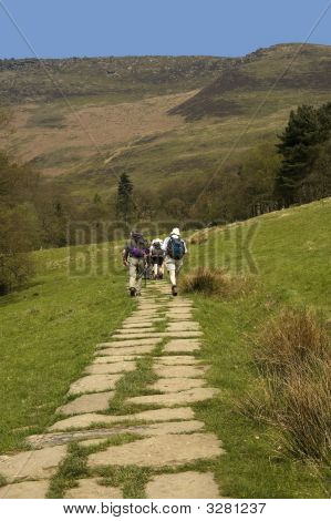 The pennine way long distance footpath edale the high peak district national park derbyshire midlands uk poster
