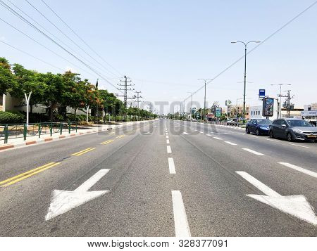 Rishon Le Zion, Israel  October 07, 2019: Streets And Cars In Rishon Le Zion, Israel.