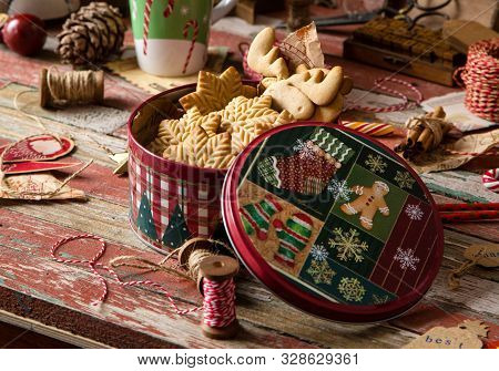 Homemade Delicious Gingerbread Cookies In Vintage Gift Round Metal Box With Christmas Ornaments On W