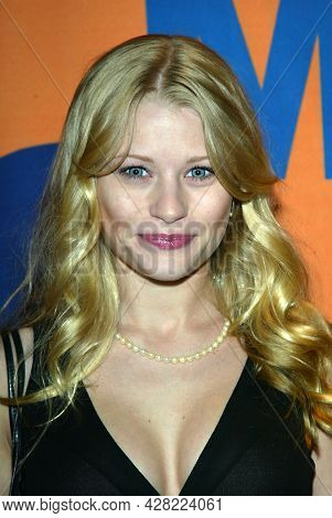 LOS ANGELES - JUN 15: Emilie de Ravin arrives for Shane West's Birthday Party on June 15, 2003 in Hollywood, CA