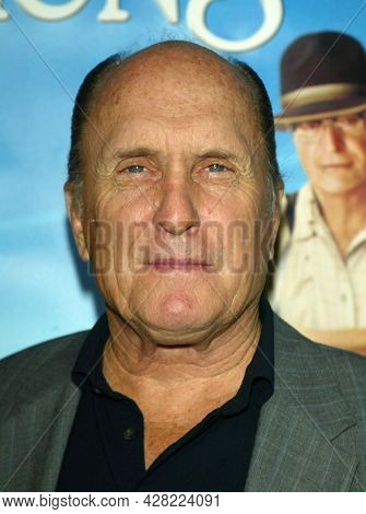LOS ANGELES - AUG 18: Robert Duvall arrives for the 'Secondhand Lions' World Premiere on August 18, 2003 in Westwood, CA