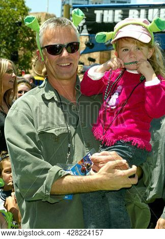 LOS ANGELES - MAY 10: Richard Dean Anderson arrives for the ÔShrek 4-D' Hollywood Premiere on May 10, 2003 in Los Angeles, CA