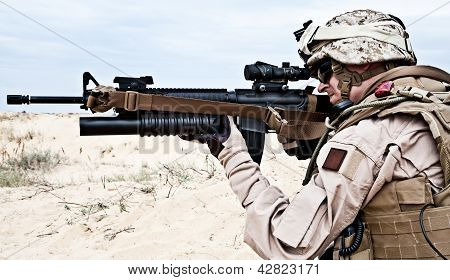 US marine in the desert through the military operation poster