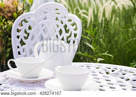 Inspiration Picnic Outdoors, With The Dinner Table And Picnic Setting