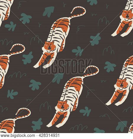 Tigers And Cheetah Tropical Seamless Pattern In Vector.