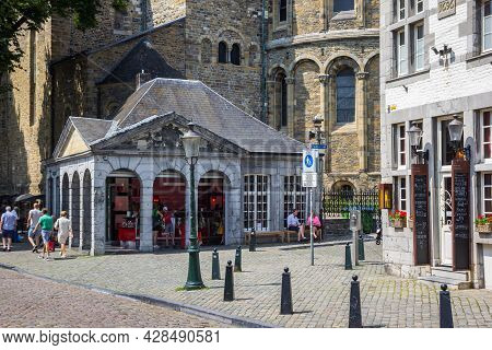 Maastricht, Netherlands - July 20, 2021: Small Ice Cream Shop In Front Of The Basilica Of Our Lady I