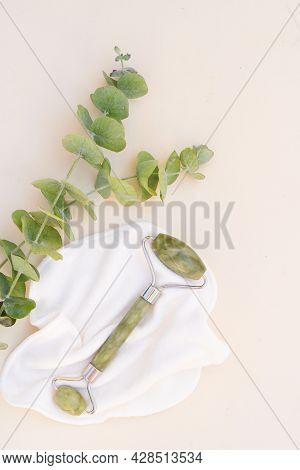 Gua Sha, Face Massage Green Jade Roller Made Of Natural Stone With Natural Eucaliptus