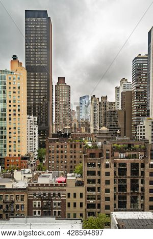 New York City Midtown Manhattan Skyline View With Skyscrapers And Cloudy Sky In The Day, Usa