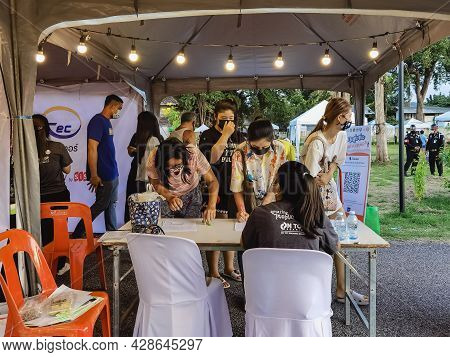 Kanchanaburi,thailand-september 12, 2020:examination Of Body Temperature And Register Identity Using