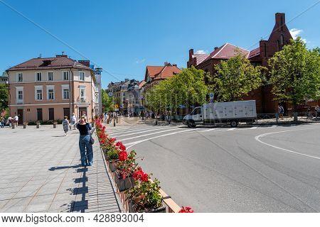 Zelenogradsk, Russia June 2021: Pedestrian Resort Avenue In Zelenogradsk, Russia.