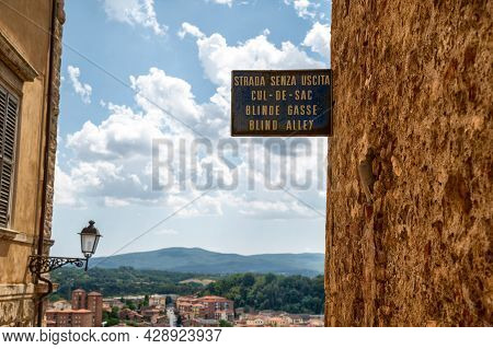 Colle Di Val D'elsa, Tuscany, Italy. August 2020. Amazing City Landscape Through The Historic City W