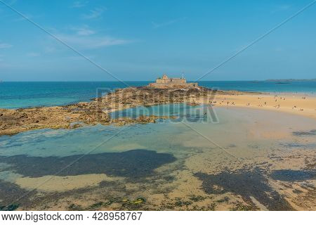 La Grande Plage Du Sillon In The Coastal Town Of Saint-malo In French Brittany In The Ille-et-vilain