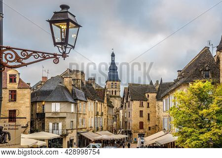 Sarlat La Caneda, France - June 24,2021 - View To The Centre Of Sarlat La Caneda. The Town Of Sarlat